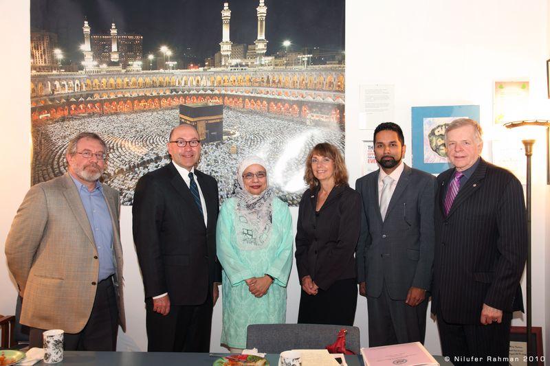 CanadianMuslimLeadersWithU.S.AmbassadorToCanadaDavidJacobsonIn2010