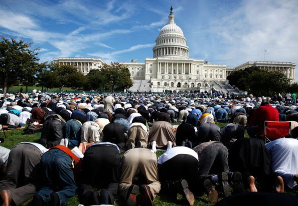 Muslims+Hold+Day+Prayer+Capitol+Hill+NXTobTKsYGal