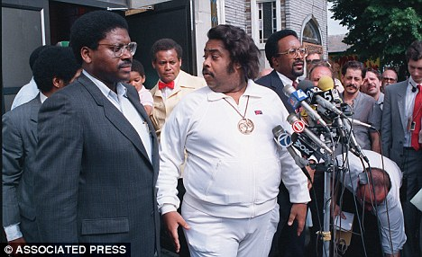 AlSharptonOverweightLargeAP